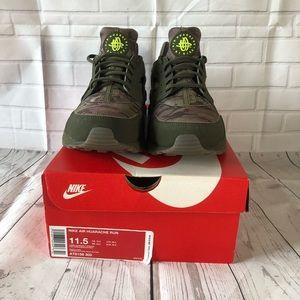 Nike Air Huarache Run 11 1/2  Camouflage.